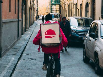 Qu'est-ce qu'une externalisation de livraison de plats ?